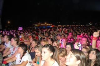 Miles de personas participan en el primer fin de semana de las fiestas patronales de Parla.