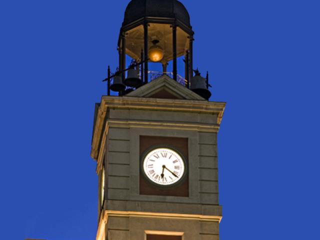 El reloj de la puerta del sol listo ser madrid sur for Puerta del sol en nochevieja