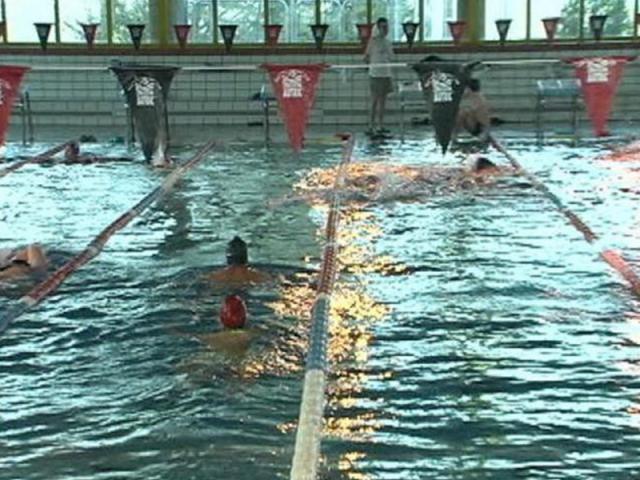 La piscina cubierta del carrascal en ser madrid sur for Piscina municipal getafe