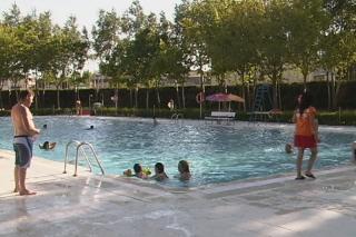 Las piscinas municipales de verano abren ser madrid sur for Piscina fuenlabrada