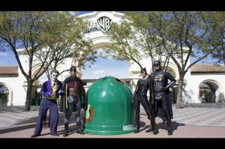 Batman y Superman animarán este domingo en Getafe a reciclar vidrio