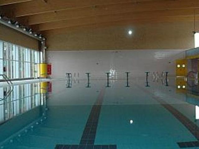 La piscina municipal cubierta de san ser madrid sur for Piscina municipal cubierta